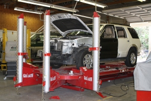 Re-aligning a vehicle frame